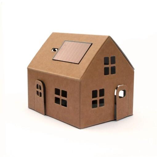 papieren huisje zonnepaneel