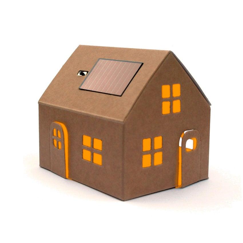 Casagami solar huisje met ledlampje op zonne energie for Huis duurzaam maken