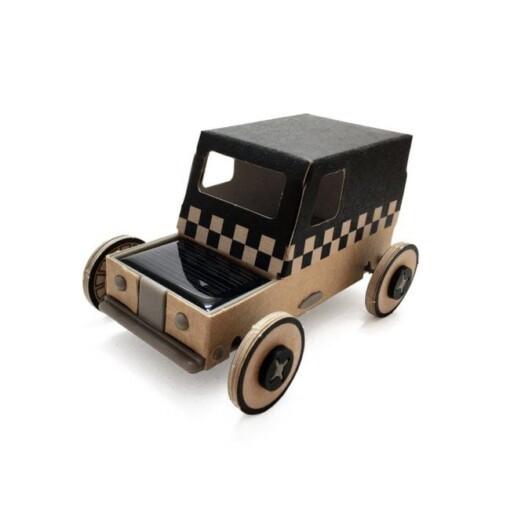 autogami auto op zonneenergie taxi