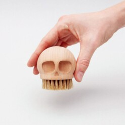 skull brush houten afwasborstel hand 2
